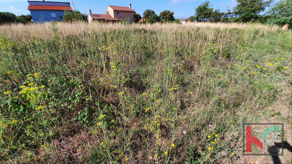 Istria, Medulin - Ližnjan land for construction of family and multifamily buildings II OPPORTUNITY 80 € / m2 II