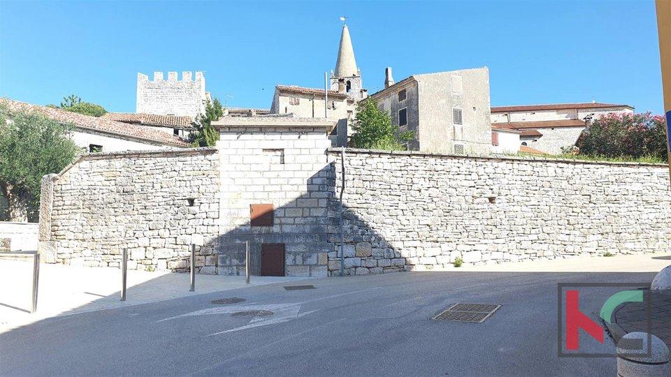 Istra, Bale dvije kuće za adaptaciju ukupne kvadrature 170m2