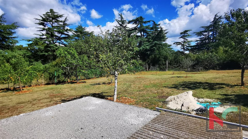 Istria, Stinjan, building land 1057m2 with studio and garage