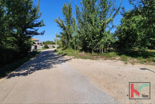 Kanfanar - surroundings, building land 2911m2 and quiet location