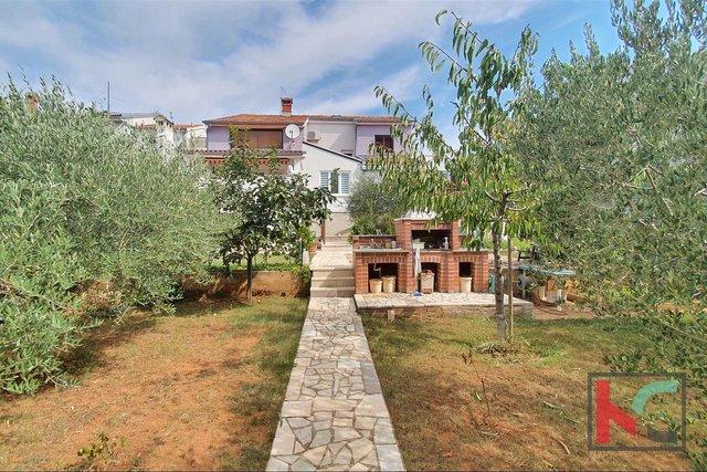 Pula, casa di famiglia in una posizione tranquilla di Veli vrh