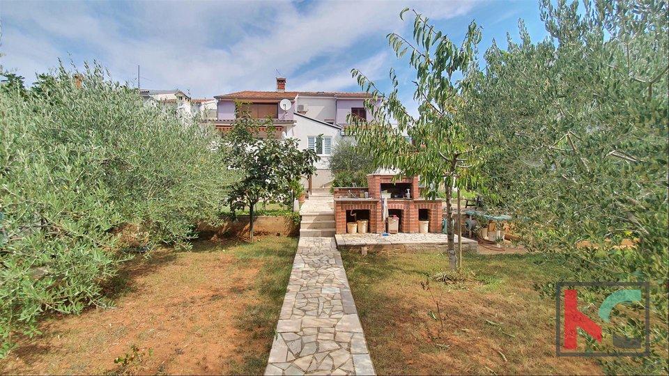 House, 229 m2, For Sale, Pula - Veli vrh