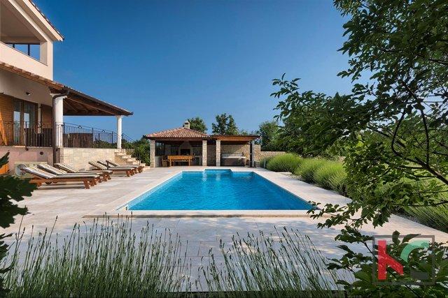 Štokovci - Luksuzna vila s 4 * z vrtom 2000m2