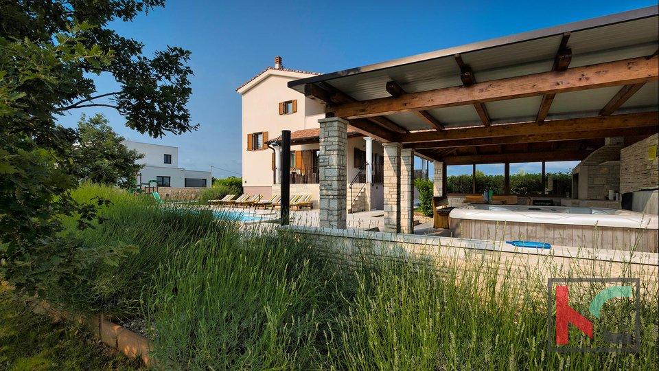 Štokovci - Luxury 4* Villa with a garden of 2000m2