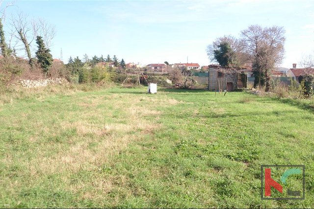 Vodnjan, more building land 558m2,517m2,506m2 and 65 € / m2