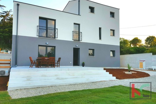 Istria, Medulin, Vintijan Villa 210m2 with pool in the garden 610m2