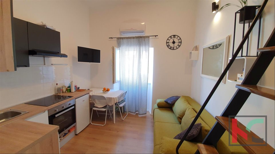 Pula, Center - renovated studio apartment 14,41m2 with gallery