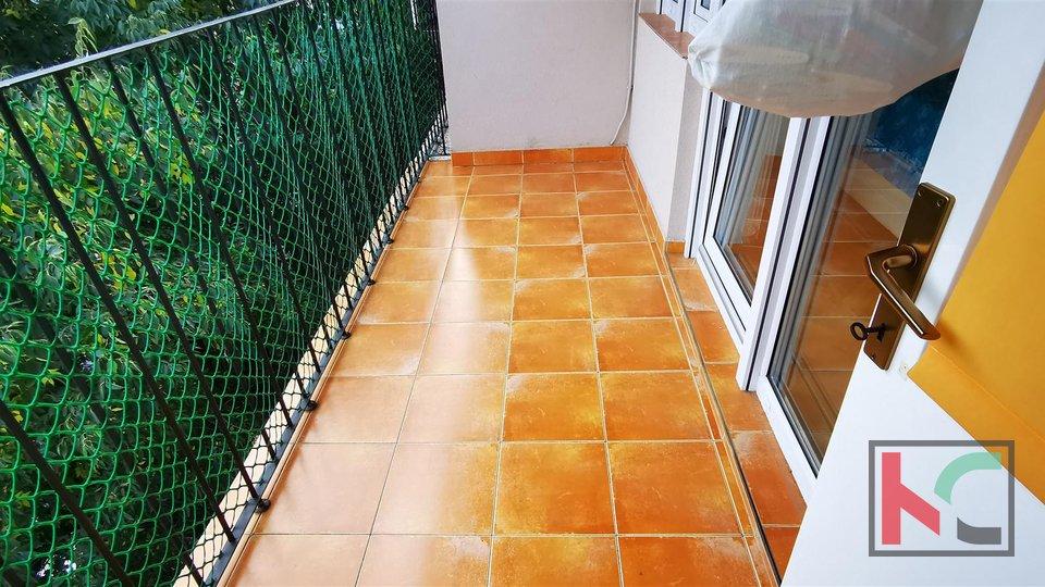 Pula, Veruda, trosoban stan 82,25m2 sa dvije terase
