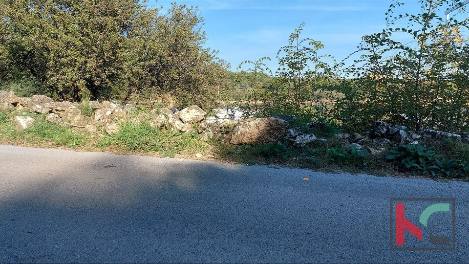Istria, Medulin, Pomer building land 907m2 first row to the sea