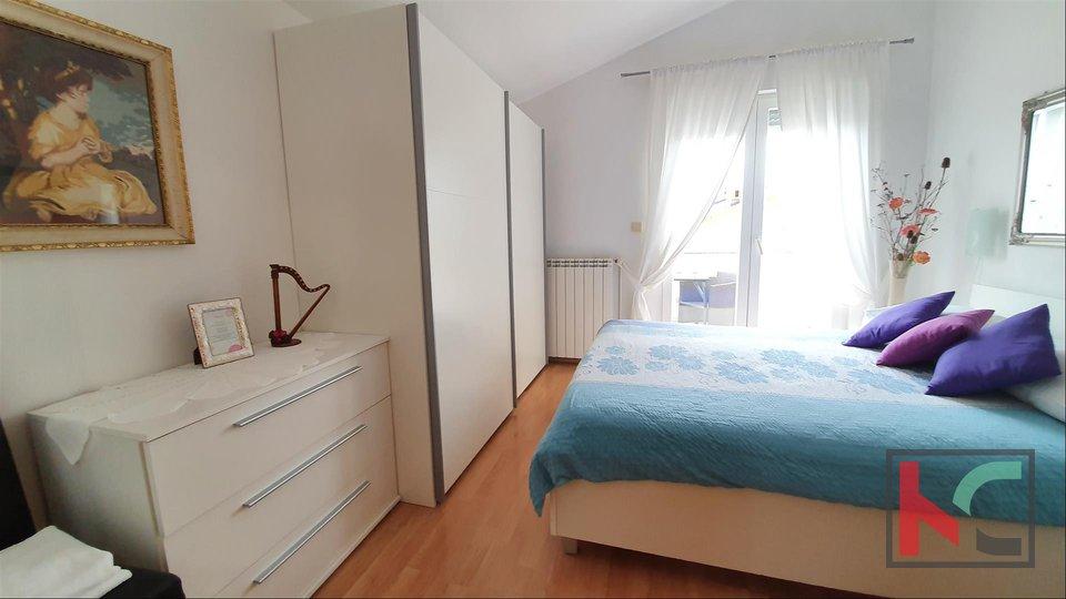 Istria, Fasana, appartamento con tre camere da letto 60,24 m2 con due balconi e vista mare