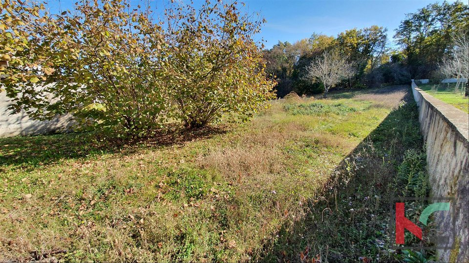 Istria - Svetvincenat - Peresija, building land 1068m2