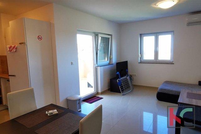 Istria, Peroj, appartamento con quattro camere da letto in un nuovo edificio in una posizione tranquilla