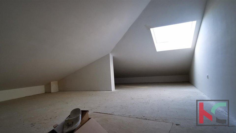 Istra, Peroj, četverosoban stan u novogradnji na mirnoj lokaciji