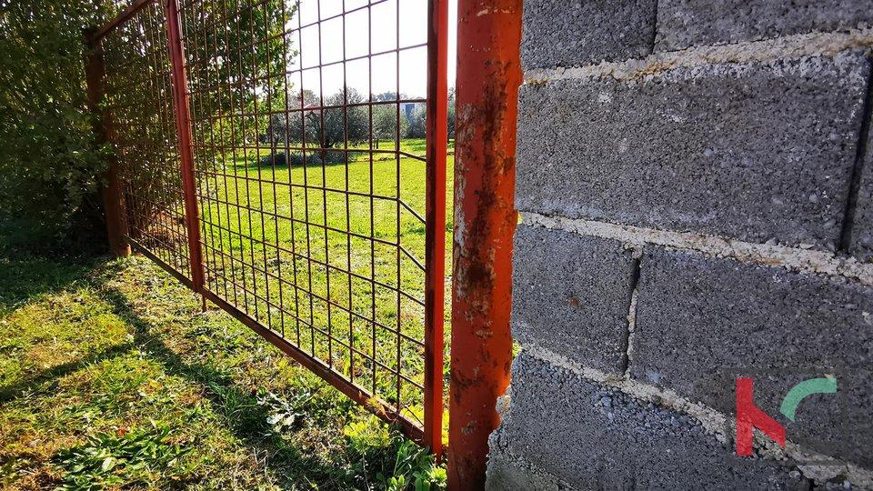 Istrien, Stinjan, Baugrundstück 990m2 in ruhiger Lage, ideal für ein Familienhaus
