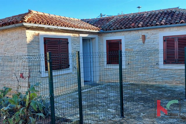 Pula, Vintijan house 46.55 m2 with a small garden of 30 m2