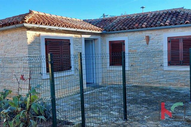 Pula, Vintijan Haus 46,55 m2 mit einem kleinen Garten von 30 m2