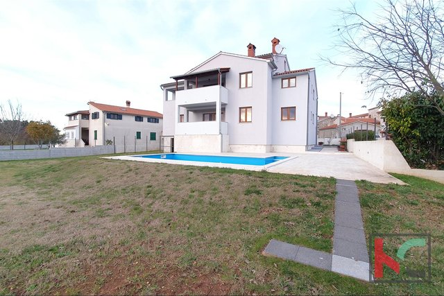 Istria - Svetvincenat, newly built house with pool