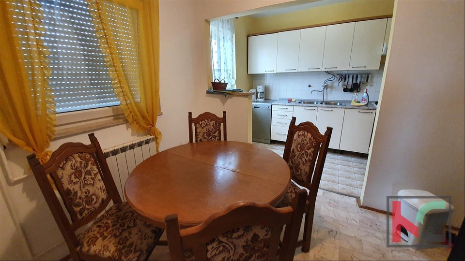 Pula, Veli Vrh, detached house with sea view