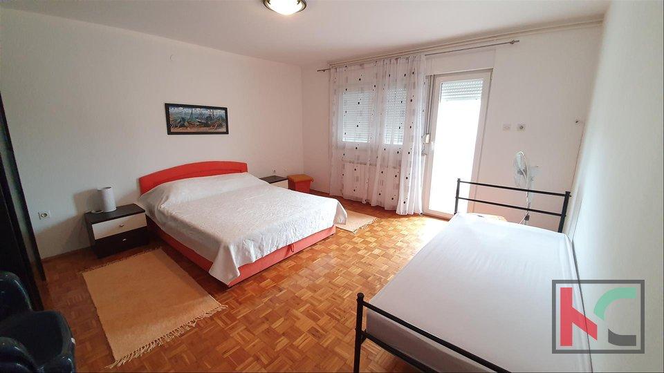 Pula, Veli Vrh, Einfamilienhaus mit Meerblick
