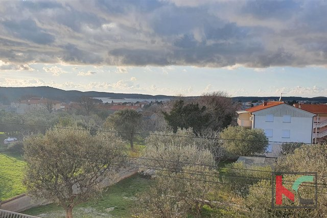Istria - Medulin, house 360m2 in a quiet location II sea view