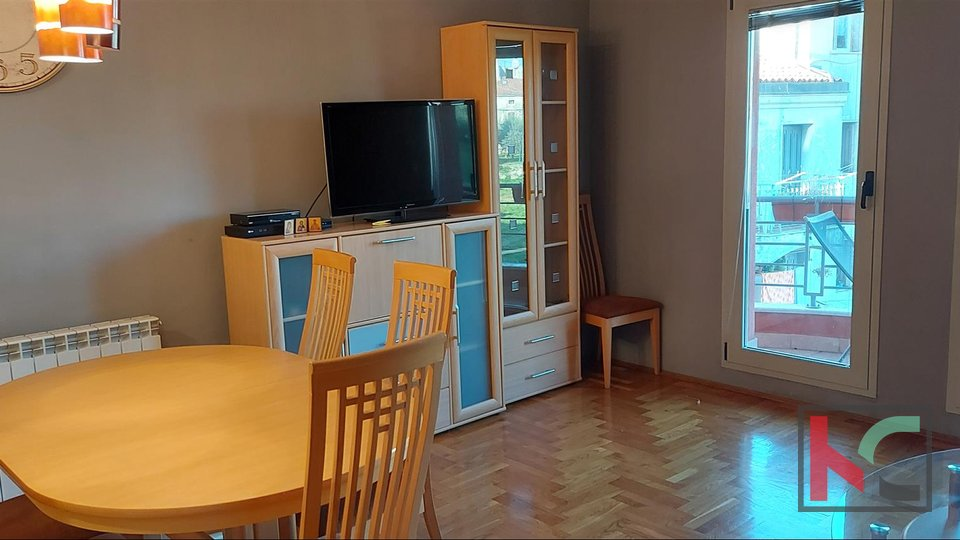 Pula, Center spacious apartment 72.41 on the second floor in newer construction