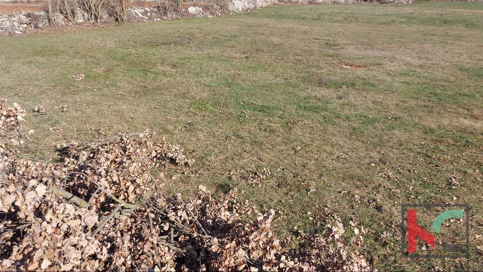 Istria, Kanfanar building land 916m2 and several different sizes