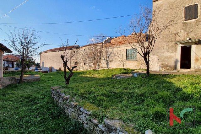 Istra, Ližnjan, Kuća i Štala na parceli od 378m2