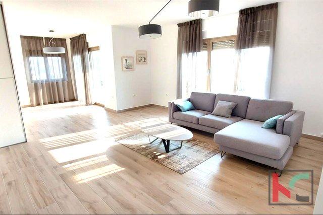 Istra, Pula, Veruda penthouse četverosoban stan s prekrasnim pogledom na more