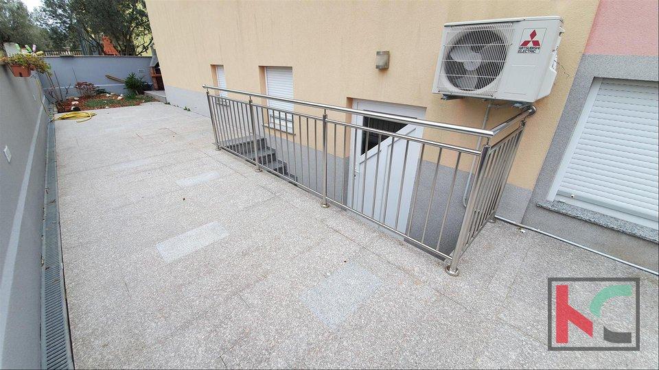 Istrien - Fazana, Wohnung 77,56 m2 mit Garten II 200 m vom Strand entfernt