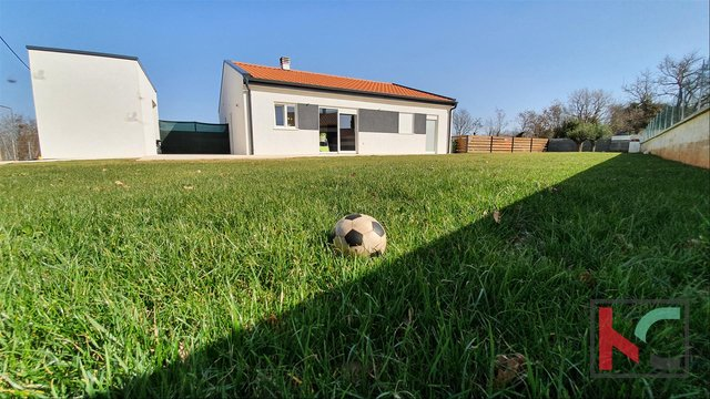 Istria, modern house in a quiet location near the town of Vodnjan