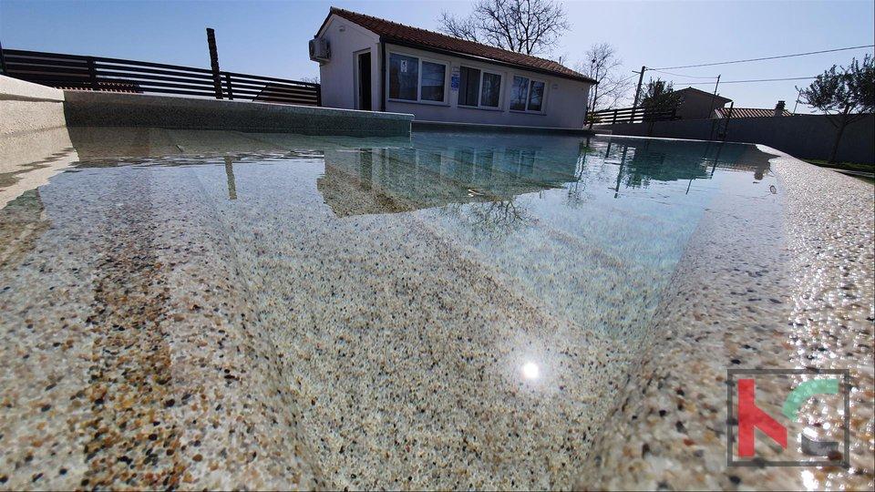 Istra, namještena atraktivna Villa 5 zvjezdica na mirnoj lokaciji Marčane