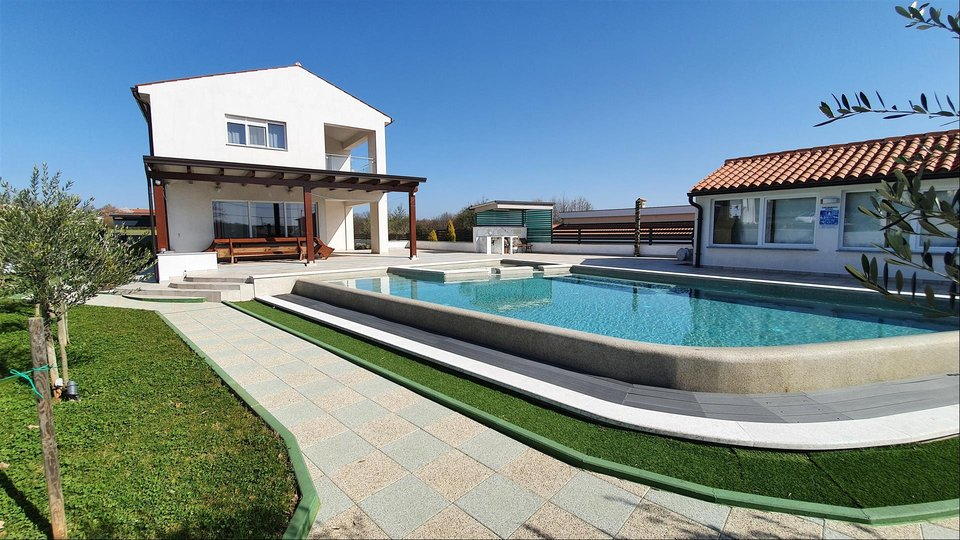 Istria, attractive furnished 5-star villa in a quiet location of Marcana