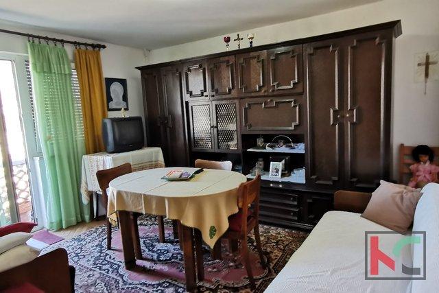 Pula, Veruda, 55,49 m2 Apartment mit zwei Schlafzimmern in großartiger Lage / Garage