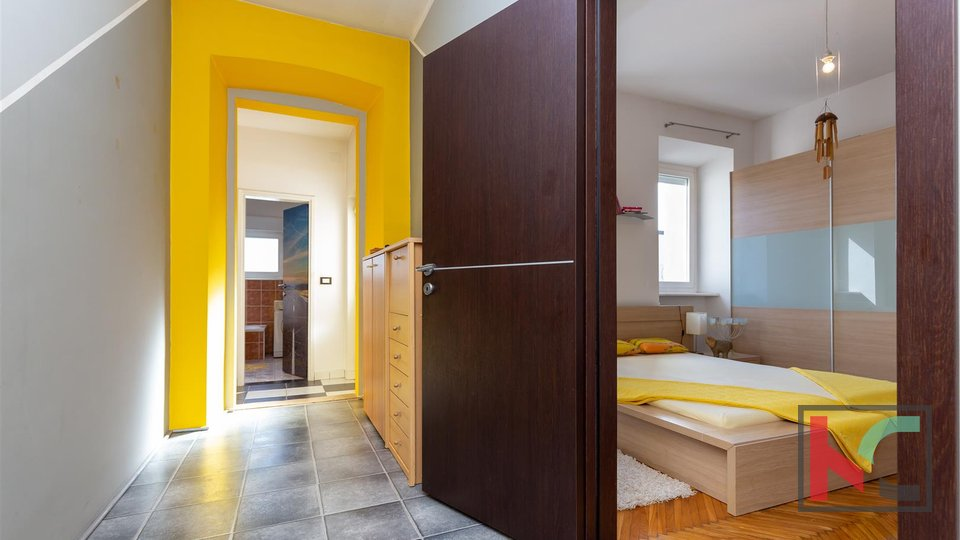 Pula, renovated house in the city center with additional office space