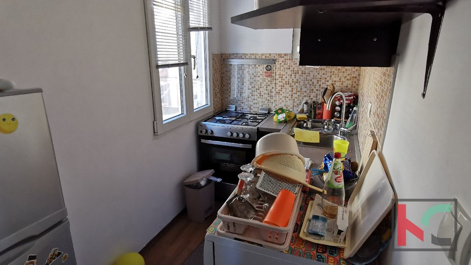 Pula, Kaštanjer, two bedroom apartment 29.26 m2 in a busy location