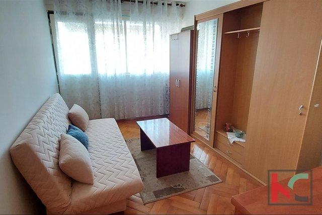 Pula, breitere mittlere Wohnung im dritten Stock 52,85 m2