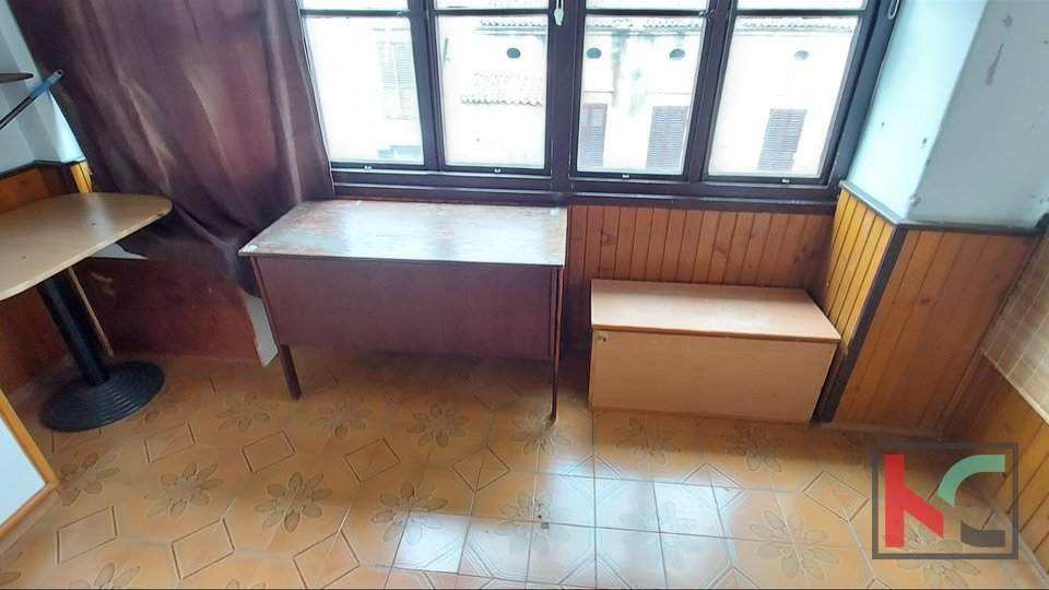 Pula, Center apartment on the second floor 73m2