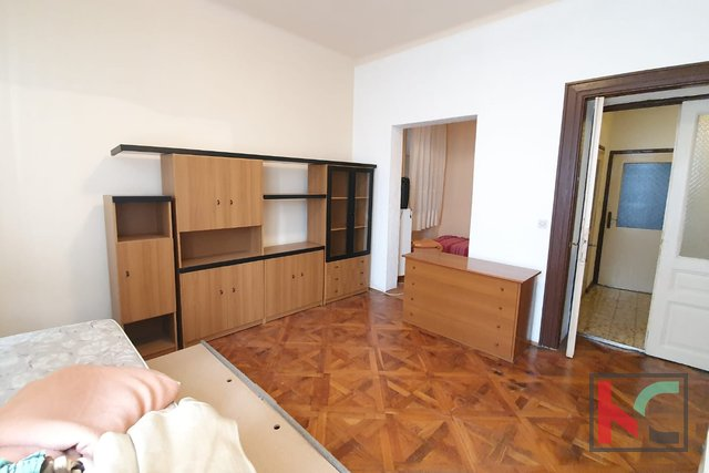 Pula, Center, apartment 72.98 m2 ideal for 2 apartments