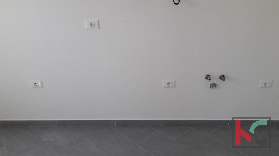 Ližnjan, dvosoban stan 76 m2 s pogledom na more