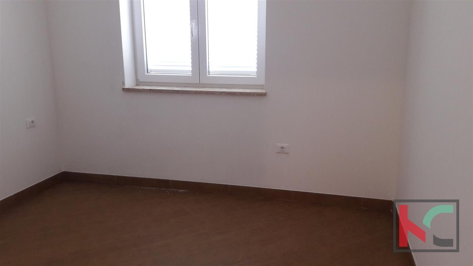 Ližnjan, two-bedroom apartment 76 m2 with sea view