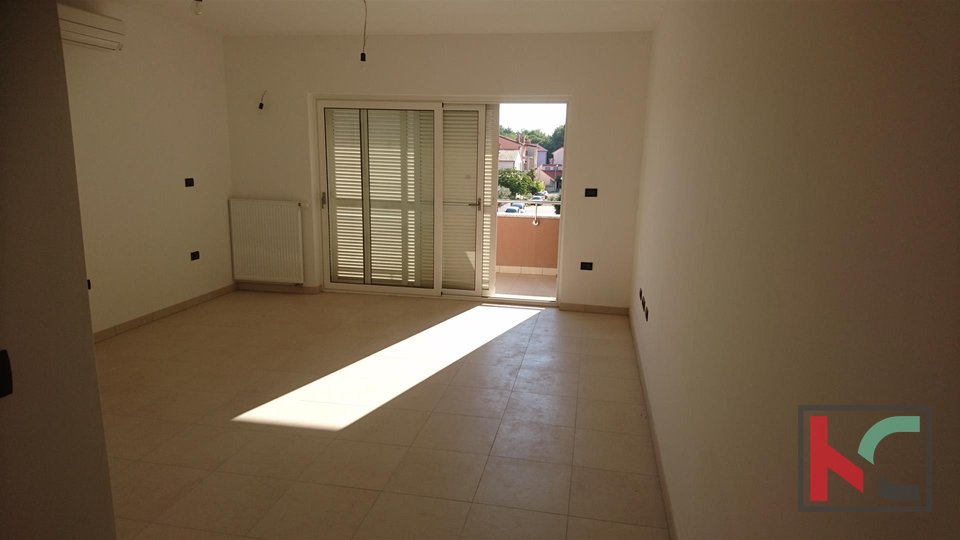 Istria - Fazana, comfortable apartment 93.52 m2 in an attractive location, 150m from the beach