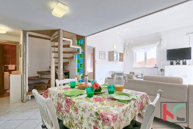 Istrien, Premantura, extrem sonnige Wohnung mit drei Schlafzimmern 68m2