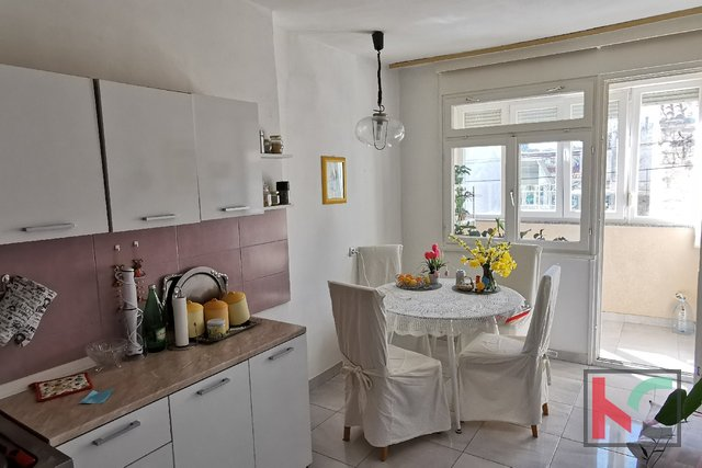 Pula, Veruda, Three bedroom apartment 84m2 on the 1st floor AND ELEVATOR