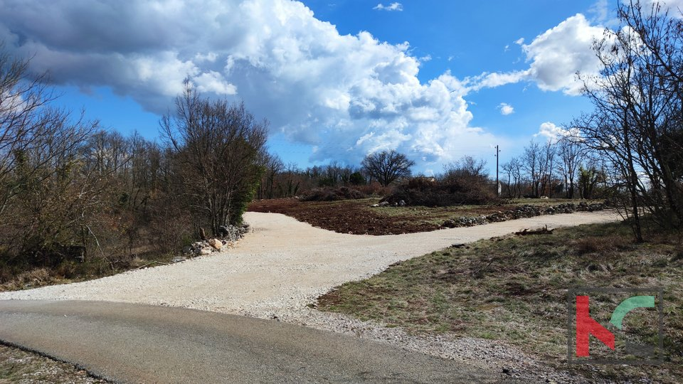 Istra - Barban, građevinsko zemljište 952m2