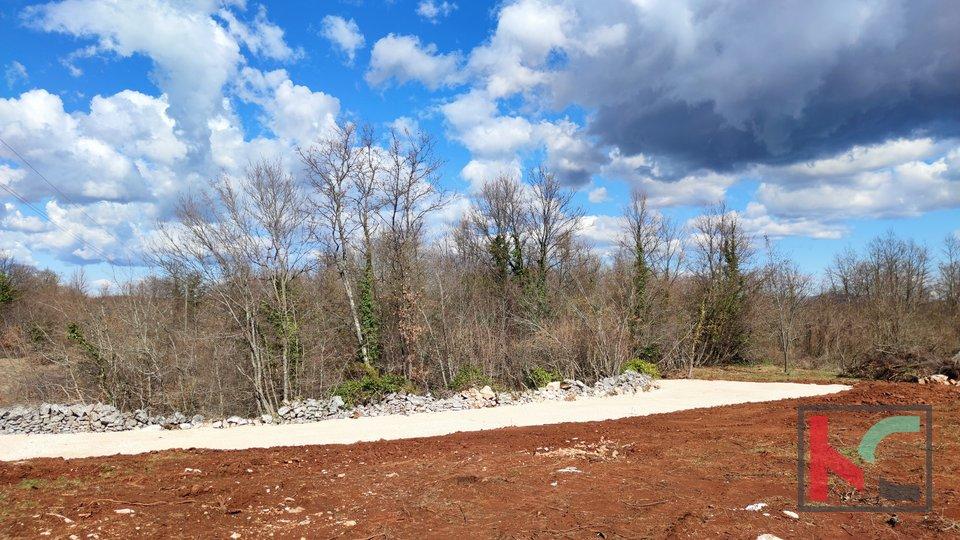 Istrien - Barban, eine Kombination aus Bau- und Ackerland 2959m2