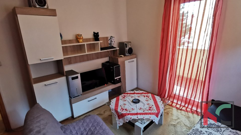 Pula, Veruda, apartment 80.56 m2 divided into two units