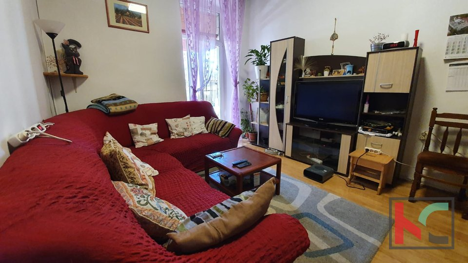 Pula, Center, three bedroom apartment 76.60 m2