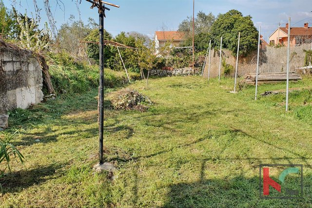 Istria, Peroj, house 108m2 with garden of 135m2