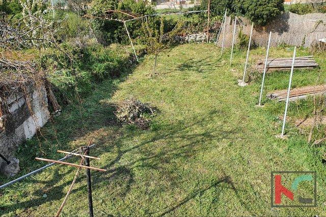 Istrien, Peroj, Haus 108m2 mit Garten von 135m2