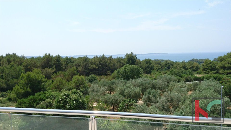Istra, Peroj attractive two bedroom apartment 114m2 with sea view / NEW FURNISHED